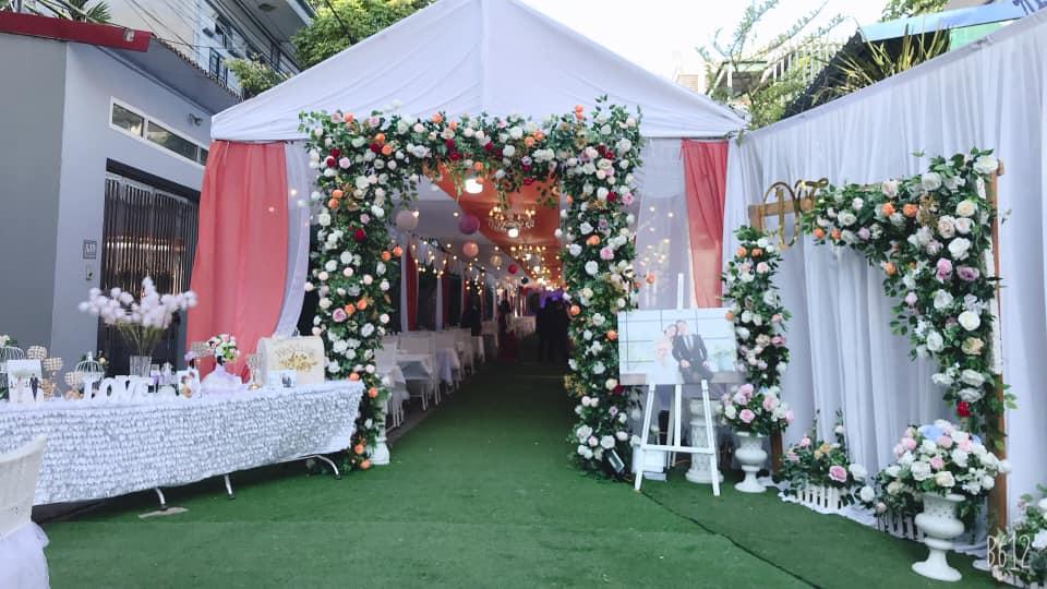 cho thuê cổng cưới