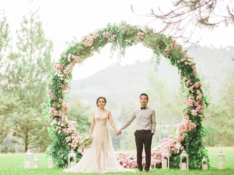 cho thuê cổng cưới hoa