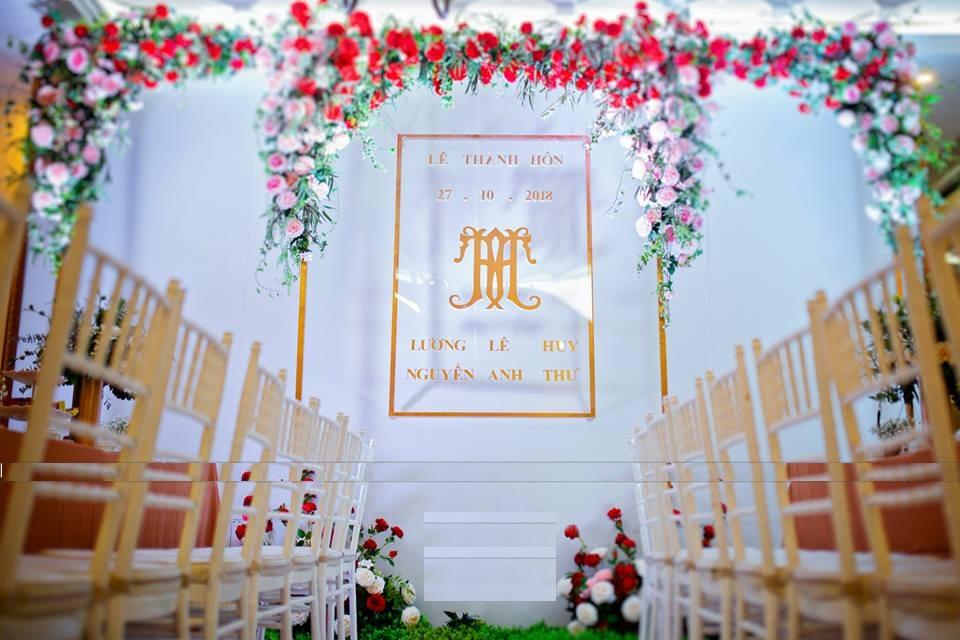 mẫu phông rèm đám cưới