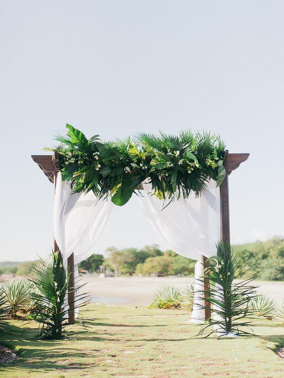 Tại sao cổng lá dừa lại được ưa chuộng đến vậy?