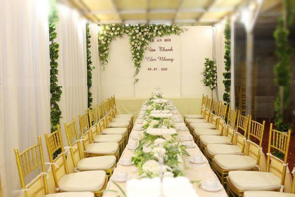 trang trí đám cưới trong nhà