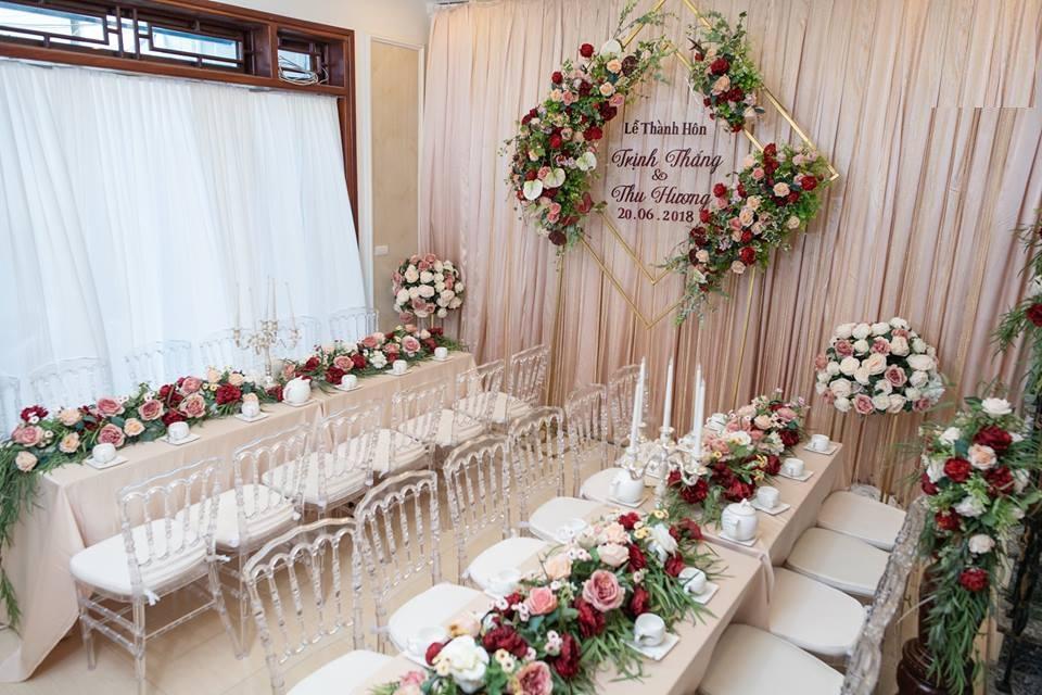 tổ chức đám cưới trong nhà