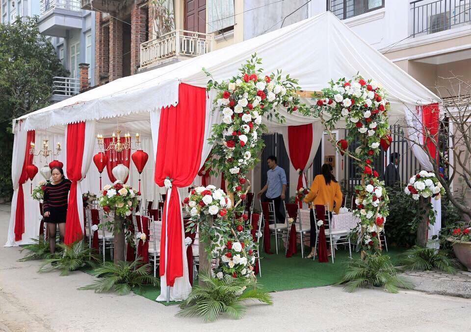 Trang trí nhà bạt cưới độc đáo
