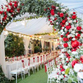 cổng cưới vòm hoa tươi