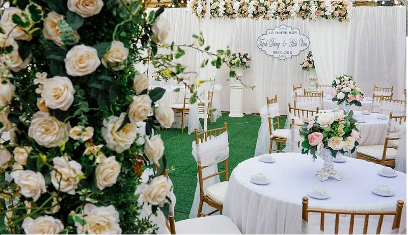 hoa lụa trang trí đám cưới