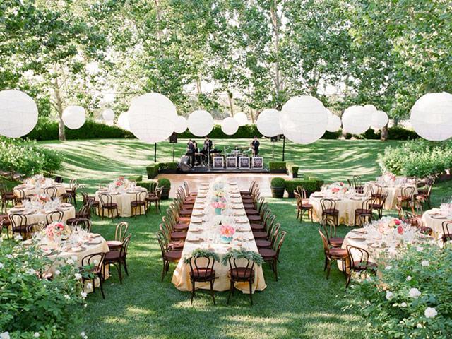 Trang trí không gian tiệc cưới đẹp mắt